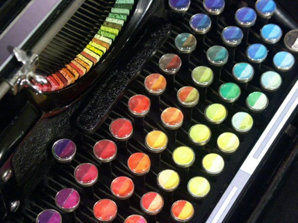 typewriter-paints-art-2