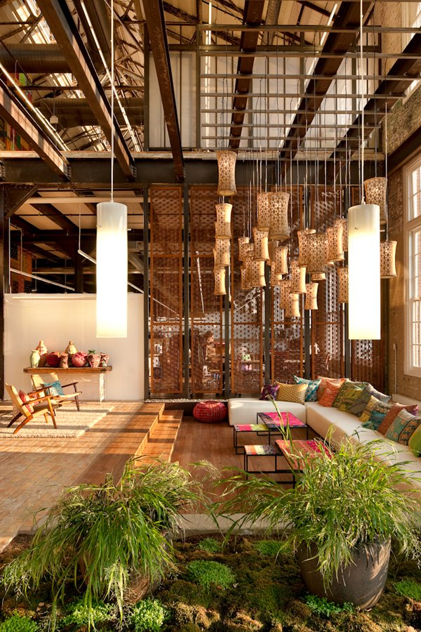 urban-outfitters-office